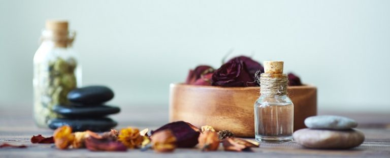 A Guide to Using Oil Based Perfumes